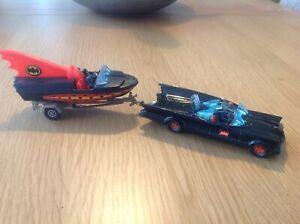 Corgi gift set Batmobile and Batboat 1960's original nice condition,,,,,,,,