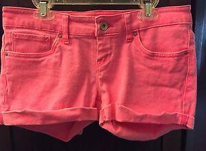 Levi's Shorty Short Cotton Spandex Stretch Shorts Bright Pink 3 EUC