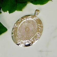 30x22 Oval Patterned Silver Plated Cabochon (Cab) Pendant Setting (#RB-C4423)