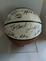 1995-1996 University of Kentucky Wildcats Team Signed Autographed Basketball