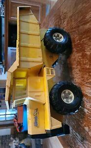 Vintage Buddy L MACK Yellow QUARRY DUMP TRUCK   MID 1970's