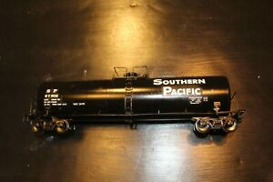 Weaver O scale Southern Pacific Tank Car with Kadee couplers