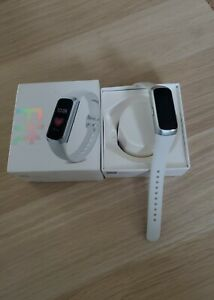 Samsung Gear Fit - Silver - Pristine - First class recorded delivery! (VATINC)