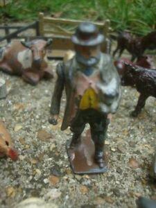 VINTAGE ASSORTED BRITAINS LEAD ANIMALS FARM FIGURES