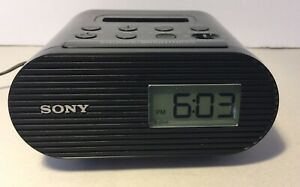 SONY Dream Machine  AM FM  Clock Radio  ICF-CO5iP Ipod Dock with cord & antenna