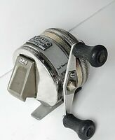 Vintage Zebco 33 Classic Feather Touch Cast Control Spincasting Fishing Reel USA
