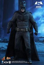 Hot Toys Batman v Superman Batman MMS342 1:6 Scale Dawn of Justice DC Comics