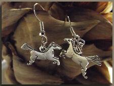 Boucles d'Oreilles Cheval en métal argenté bijou fantaisie dormeuse équitation