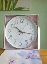 LARGE CIRCULAR WALL CLOCK BATTERY POWERED COPPER COLOUR 29cm WHITE FACED