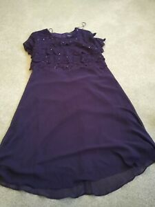 R M Richards Beautiful Ladies Plum/purple Coloured .Cold Shoulder Dress Size 16