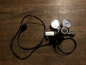 SR Aquaristik Dual Stage CO2 Regulator With Solenoid Valve