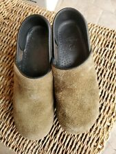 DANSKO  PROFESSIONAL brown kahki WOMENS CLOGS NURSING SHOES SIZE 39 (US 8.5-9)