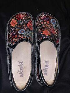 Alegria Debra Midnight Garden Patent Leather Floral Clogs Size 39 EU 8 US Shoes