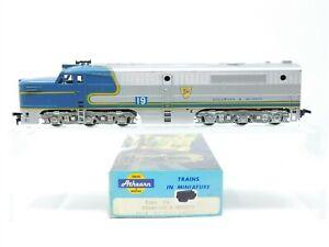 HO Scale Athearn 3308 D&H Delaware & Hudson PA1 Diesel Locomotive #19