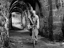 Photo originale  Bourvil La grande frousse Jean-Pierre Mocky vélo