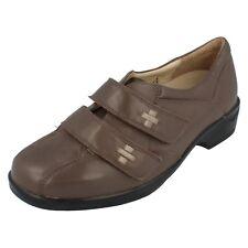 Mujer Equity Piel Gris Topo CIERRE ADHESIVO Zapatos margaritas UK 4.5