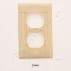 "Eagle Ivory Single Gang Bakelite Duplex Receptacle Wallplate 4.5""H x 2.75""W 132"