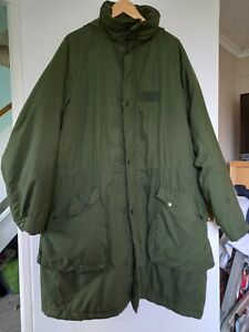 1992 SWEDISH ARMY PARKA FITS 48 TO 52 INCH CHEST