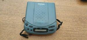 Grundig CDP 70 Portable CD Player ohne Netzteil guter Zustand