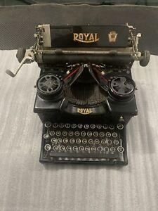 Royal Typewriter Model 10 w/ Beveled Glass Sides Antique Original Works Great 7