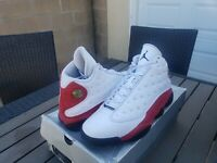Air jordan 13 Retro OG Chicago (2017) Shoes are in Excellent Condition - size 11
