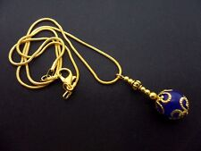 "A LOVELY GOLD COLOUR & BLUE JADE BEAD  NECKLACE ON 18"" CHAIN. NEW."