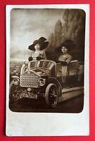 Foto AK um 1910 Frauen im Automobil   ( 5473