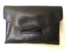 Givenchy Antigona Clutch - Grained Leather