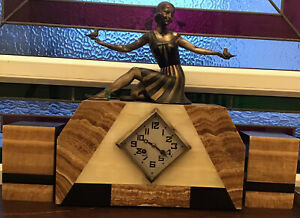 LARGE MARBLE ART DECO MANTEL CLOCK WITH GARNITURES. FRENCH. 1920s 1930s. LADY