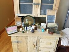VINTAGE JUNK DRAWER LOT/COLLECTIBLES/CERAMIC/SNOW GLOBE/CLOCKS/WASH BOARD/BEAUTY