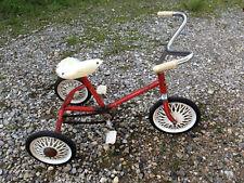 Ancien vélo d'enfant tricycle CIGAL vintage roues en tôle jouet ancien déco loft