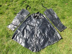 Vintage black Slickon Vinco 27 oilskin cycle cape & leggings excellent condition