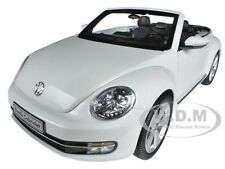 VOLKSWAGEN NEW BEETLE CONVERTIBLE ORYX WHITE 1/18 BY KYOSHO 08812