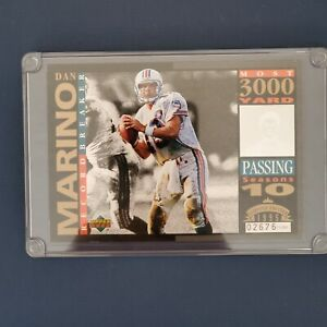"""UPPER DECK  DAN MARINO """"RECORD BREAKER LARGE CARD"""" LIMITED EDITION OF10,000 1995"""