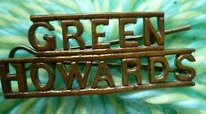 GREEN HOWARDS Shoulder Title Badge BRASS Antique ORIGINAL