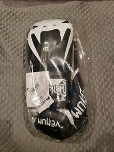 Venum Pro Boxing Gloves 10oz white /black lace up gloves
