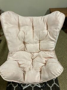 Folding Butterfly padded Chair very comfy soft pink color from Target