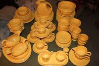 "Vintage Fiestaware - Yellow Homer Laughlin ""fiesta"" - Set of 102 pcs"