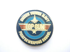 TOP GUN TOM CRUISE US ARMY UNITED STATES NAVY FILM MOVIE JET AEROPLANE PIN BADGE