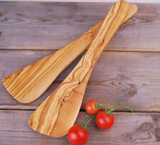 Pfannenwender gebogen aus Olivenholz, hitzebeständig, für Rechtshänder ca. 30cm