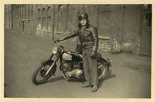 PHOTO ANCIENNE - VINTAGE SNAPSHOT - MOTO MOTOCYCLETTE MOTOBÉCANE MODE-MOTORCYCLE