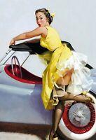 Cabriolet Pin Up Girl Panneau Métallique Plaque Voûté Métal en Étain 20 X 30 CM