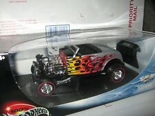 1 18 100% HOT WHEELS 1932 FORD ROADSTER 16TH CONVENTION IN SILVER WITH FLAMES