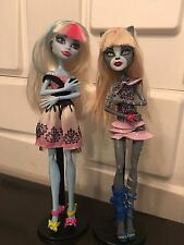 —L@@K—Monster High two pack dolls set- Purrsephone and Abbey Bominabl