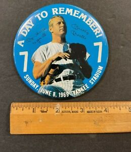 """1969 SUNDAY JUNE 9  """"A DAY TO REMEMBER"""" MICKEY MANTLE JUMBO-SIZE PIN 71221"""