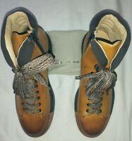 Santoni Mens Boots, Size 8.5 NEWBeige/Brown........