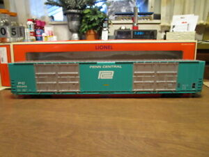 Lionel O 6-82425 Penn Central (PC) 8-Door 86' Boxcar #295443 in 3-Rail