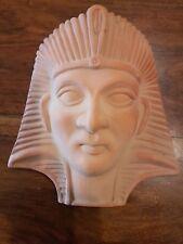 MASCHERA EGIZIA IN TERRACOTTA GREZZA SICILIANA 24.5 X 22.5 X 8 CM (50468)