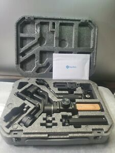 Feiyu Ak2000S 3 Axis Handheld Gimbal Stabilizer for Mirrorless DSLR Camera READ