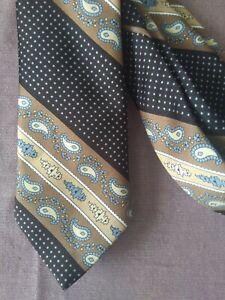 Andre grande tie. Perfect condition 🌻🌈 Paisley design. BEAUTIFUL